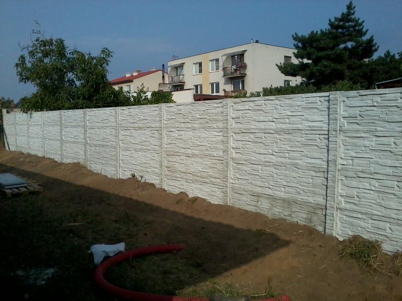 Ukotvení betonového plotu