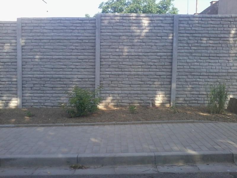Vyrábíme a montujeme betonové ploty na klíč