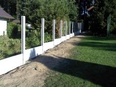 Ukázka montáže betonového plotu z betonových dílů