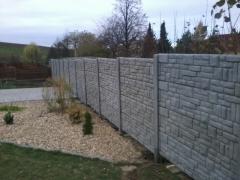 Oplocení pozemku z betonu
