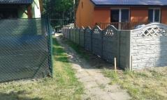 Nízký plot z betonu