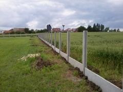 Montáž betonových plotů, cena montáže